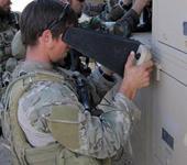 Нажмите на изображение для увеличения Название: 800px-US_Air_Force_Combat_Weather_Tech_pilots_a_UAV_in_Afghanistan.jpg Просмотров: 71 Размер:76.6 Кб ID:785055